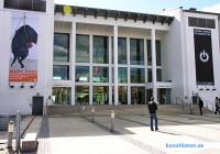 Konsthallar är lokaler för konstutställningar. En konsthall har inte en egen samling till skillnad från ett konstmuseum.