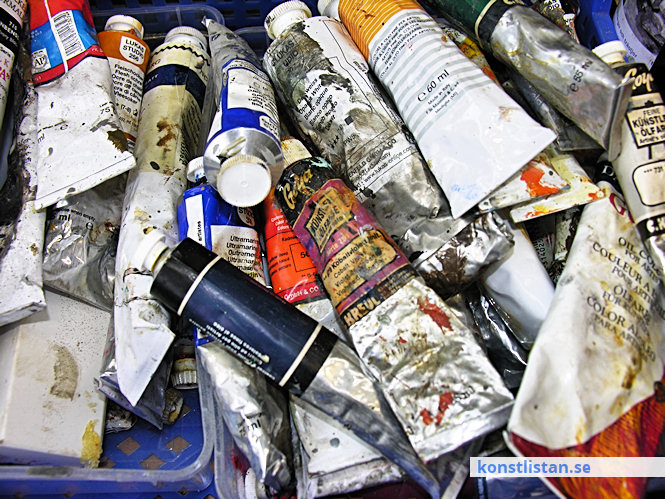 Konstnärsmaterial som målarduk, papper, kartong, färger, pigment, mdf, masonite och vanliga grunderingar.