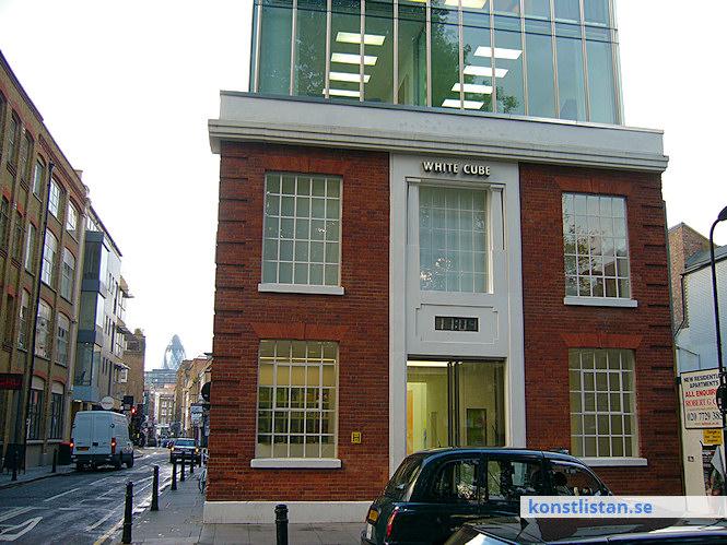 Det finns mer än 300 gallerier i London. Här ett urval av de mer välrenomerade och etablerade gallerierna och organisationerna.